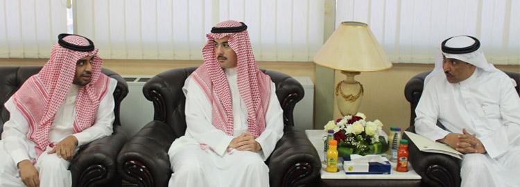 المجلس الاستشاري لكلية المجتمع... - برئاسة صاحب السمو الأمير...